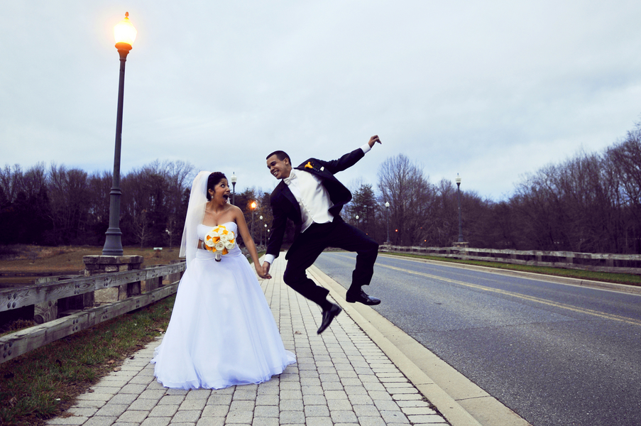 Roselyn Jeremy 39s Elegant Ballroom Wedding in Maryland From Zareth