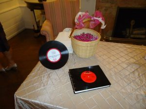DIY music themed wedding details decorations records vinyl  (1)