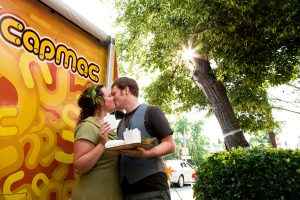 offbeat washington dc surprise wedding food trucks vintage handmade local low-budget (1)