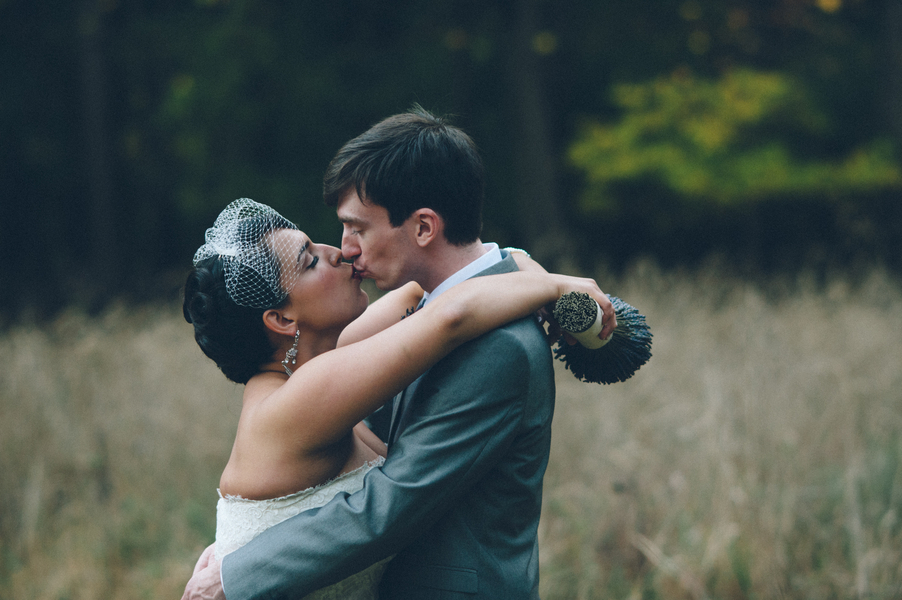 vintage travel themed virginia wedding woodend sanctuary
