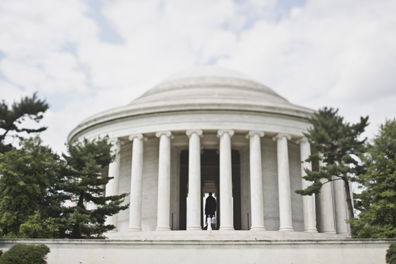 jefferson memorial DC wedding portraits