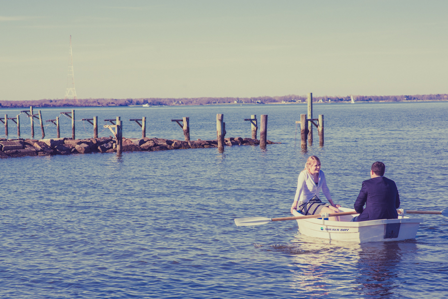 annapolis shore rowboat engagement pictures