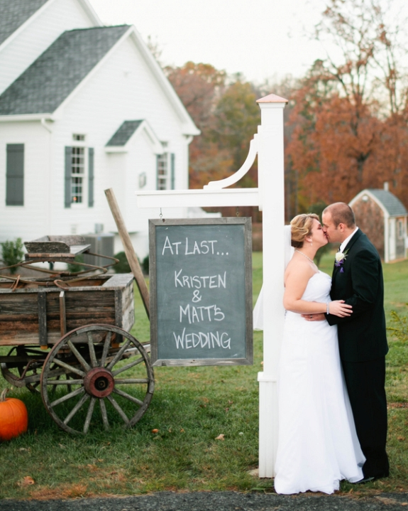 rustic purple simple fall northern virginia wedding