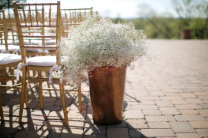 babys breath wedding ceremony