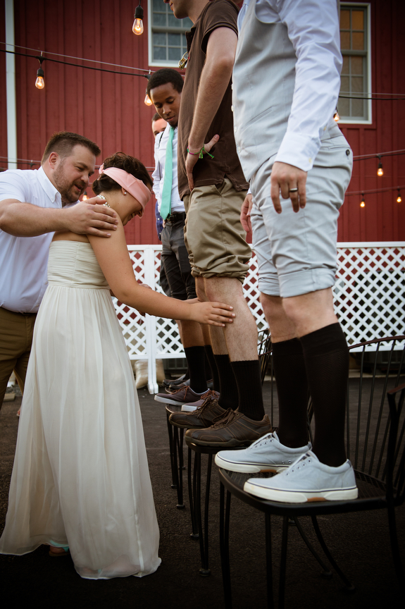 offbeat wedding games italian knee game