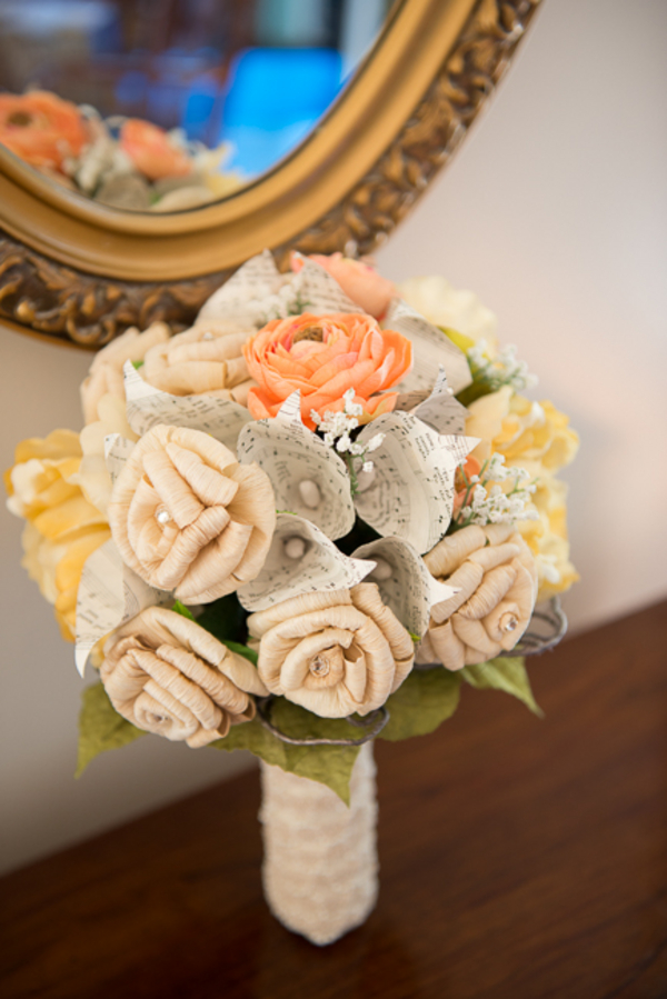 offbeat DIY paper flower bouquet