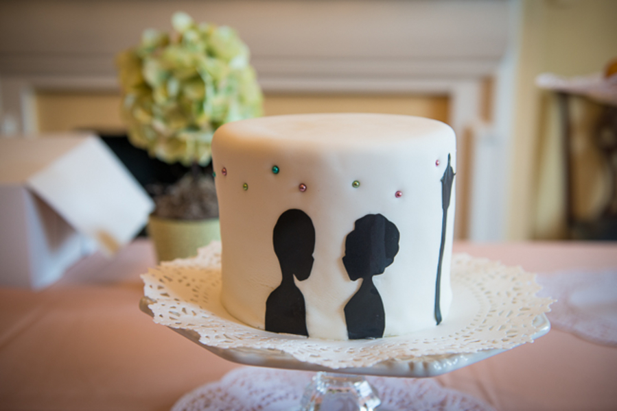 modern silouette wedding cake