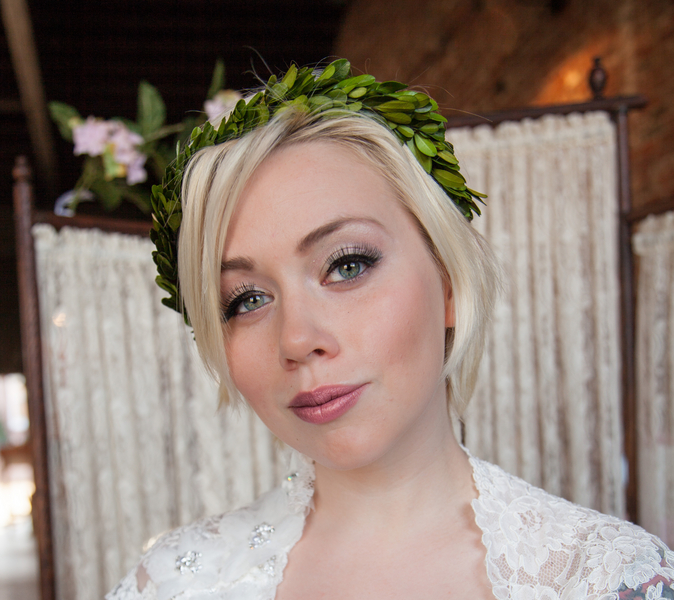 short hair bride floral headpiece