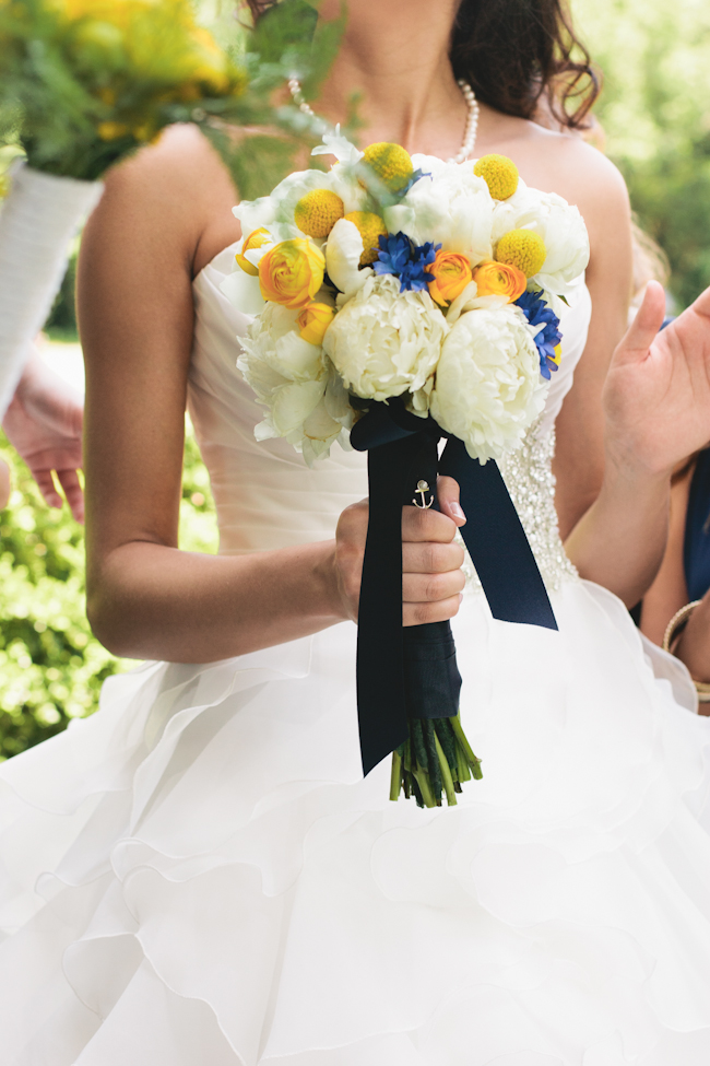 navy yellow bride bouquet