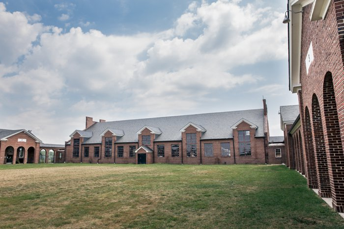 offbeat virginia wedding venue former prison