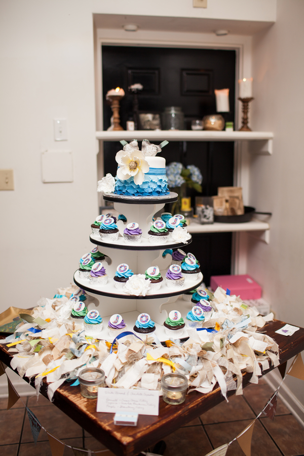 rustic DIY offbeat blue wedding cake cupcakes