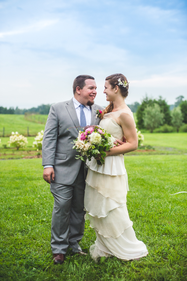rustic elegant Virginia wedding at Fat Cat farm