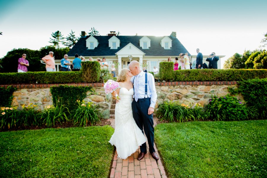 intimate backyard wedding in virginia