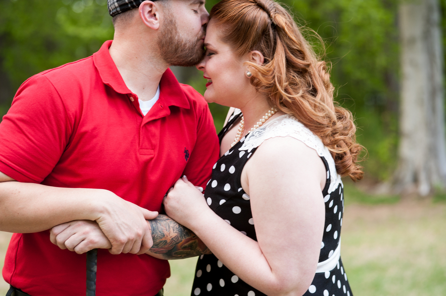 Vintage rockabilly engagement pictures (7)
