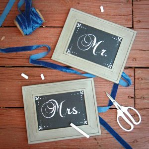 DIY how to chalkboard mr mrs signs