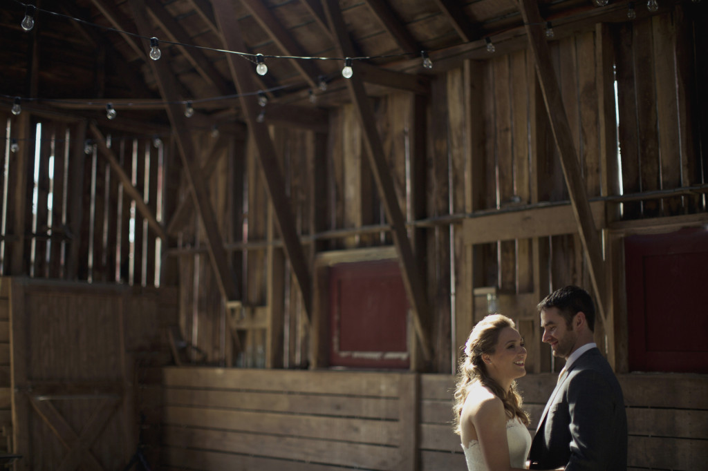rustic virginia wedding portraits in barn