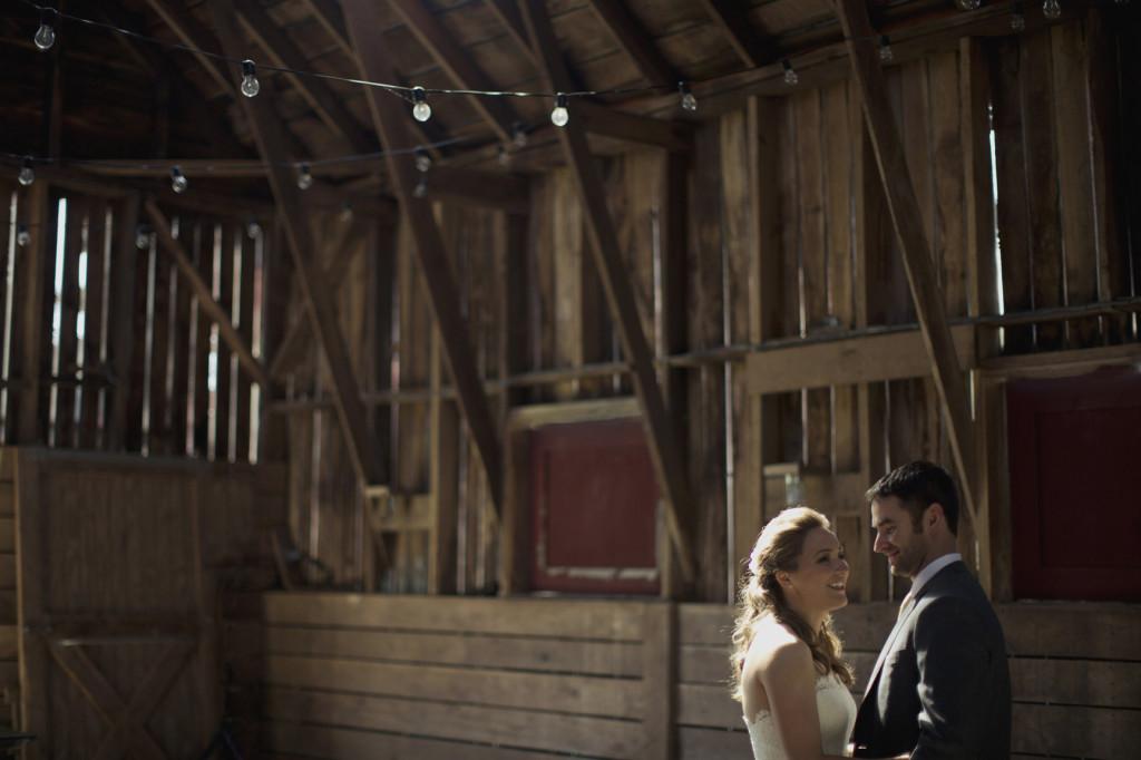 rustic virginia wedding portraits in barn