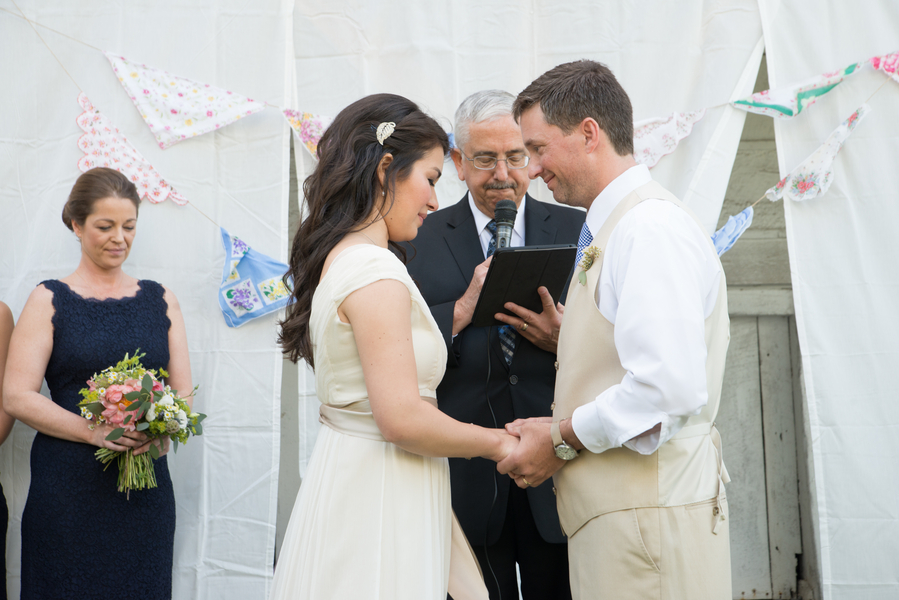 eclectic whimsical smokey glen farm maryland wedding pictures (20)
