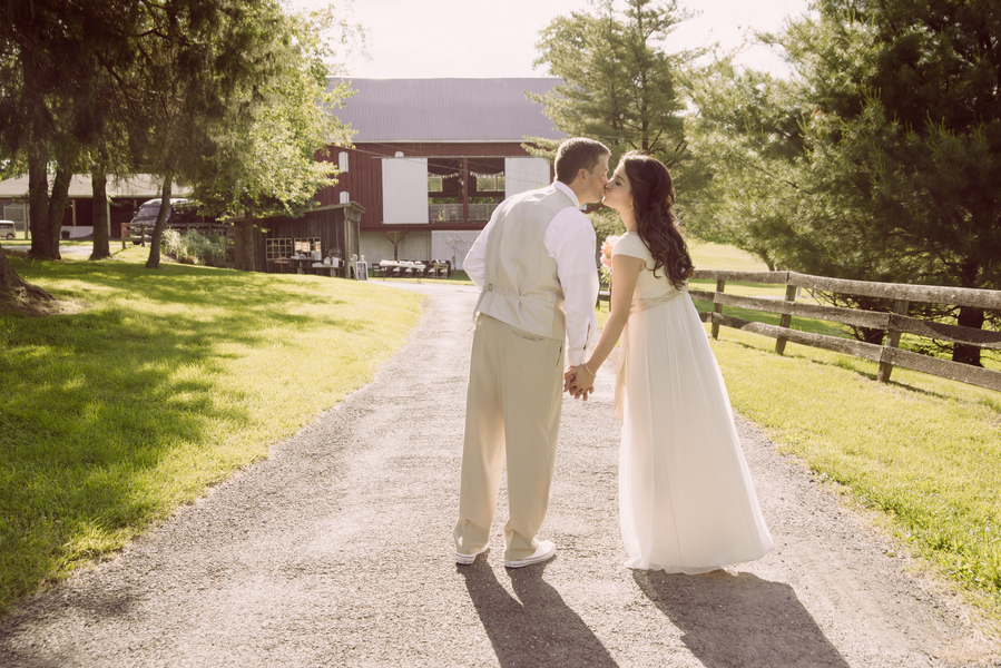 eclectic whimsical smokey glen farm maryland wedding pictures (23)