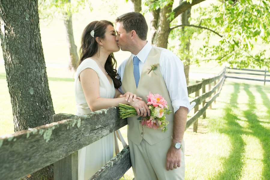 eclectic whimsical smokey glen farm maryland wedding pictures (25)
