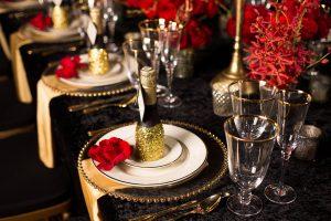 glitter gold 1920s speakeasy themed wedding (16)