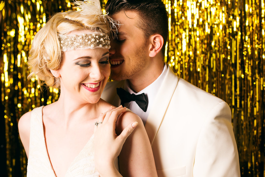 glitter gold 1920s speakeasy themed wedding (4)