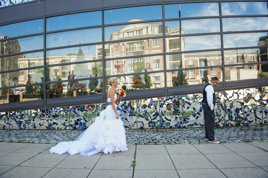 modern gray orange baltimore maryland wedding american visionary arts museum (6)