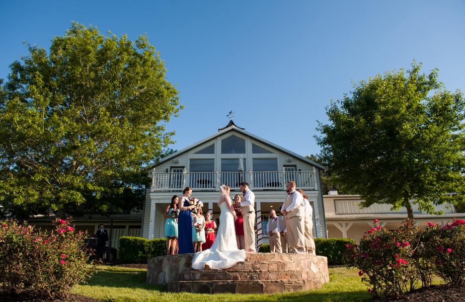 rustic DIY red white blue Virginia wedding (20)