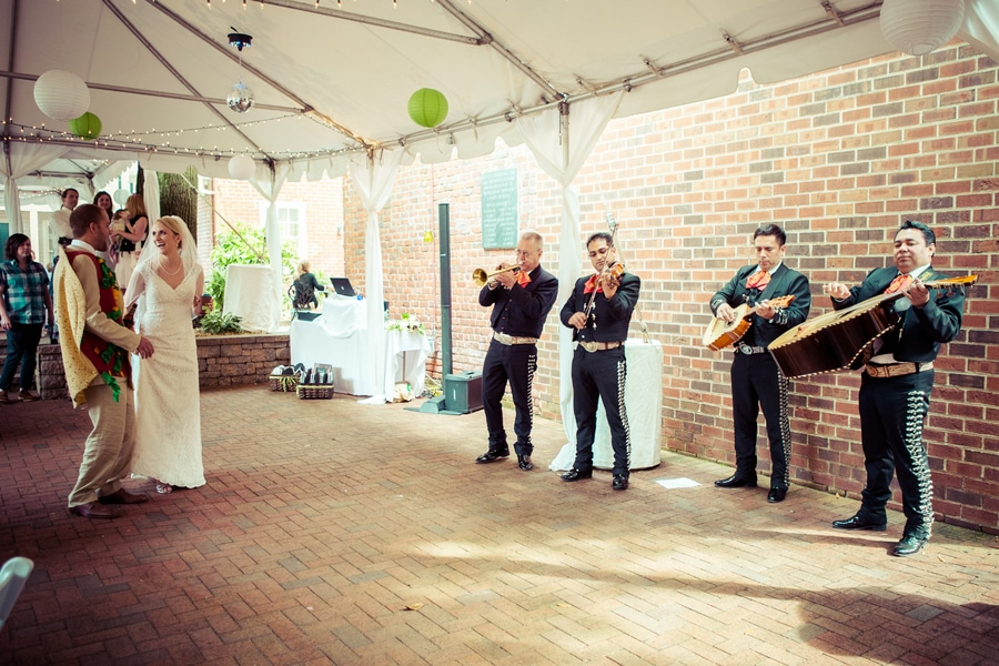 simple modern green Virginia Inn wedding (9)