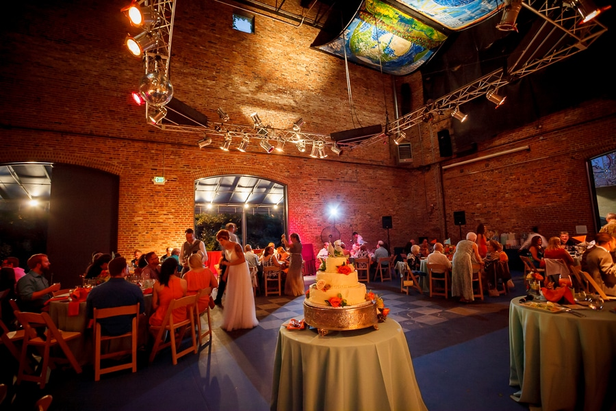 offbeat alternative maryland wedding pictures american visionary arts museum (13)