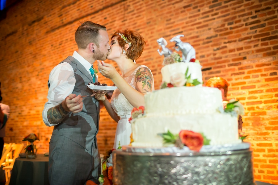 offbeat alternative maryland wedding pictures american visionary arts museum (14)