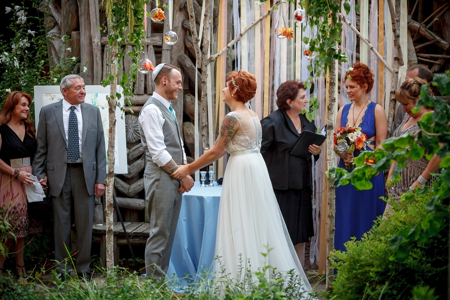 offbeat alternative maryland wedding pictures american visionary arts museum (2)