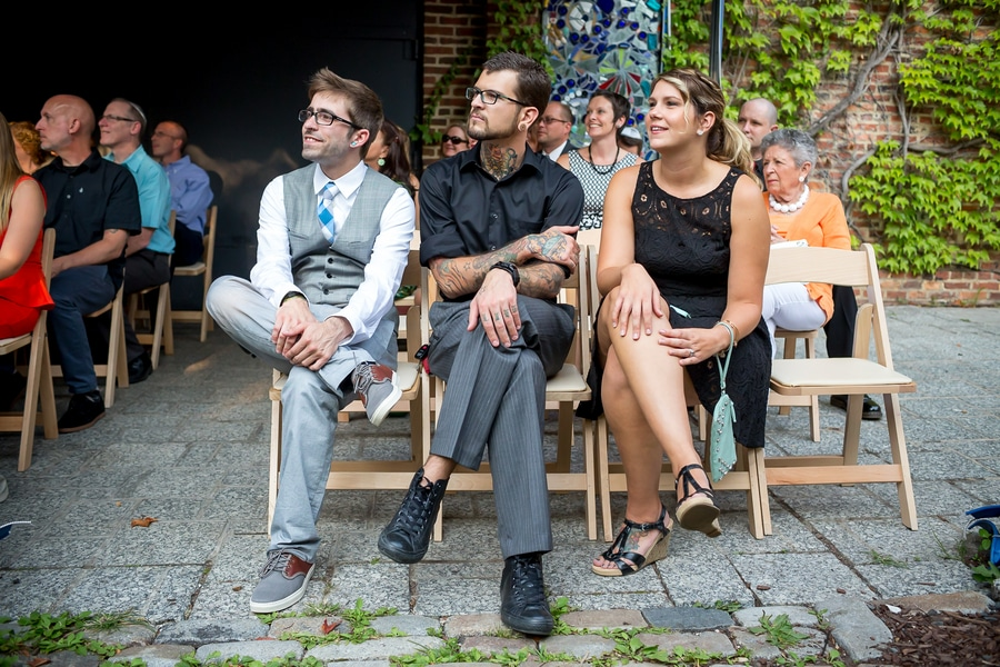 offbeat alternative maryland wedding pictures american visionary arts museum (3)