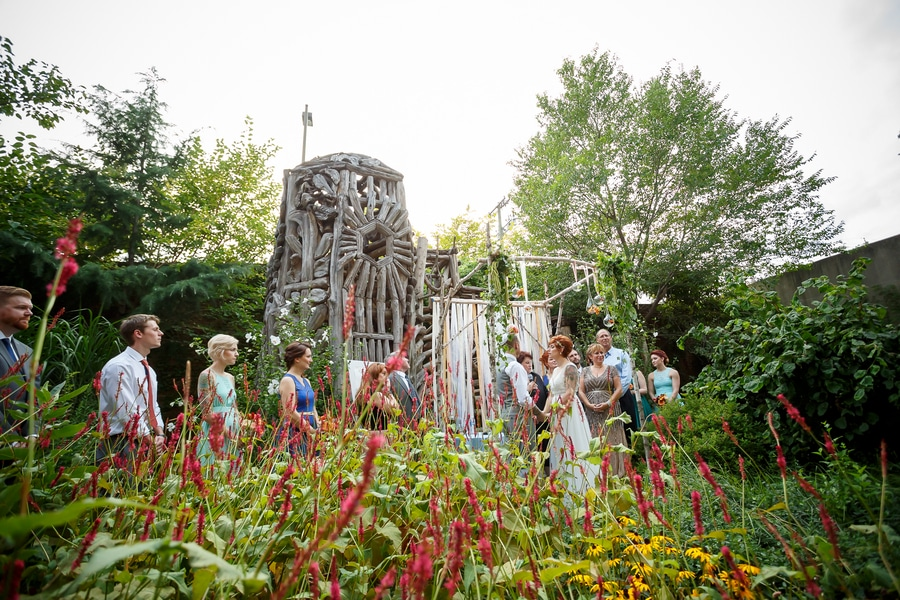 offbeat alternative maryland wedding pictures american visionary arts museum (4)