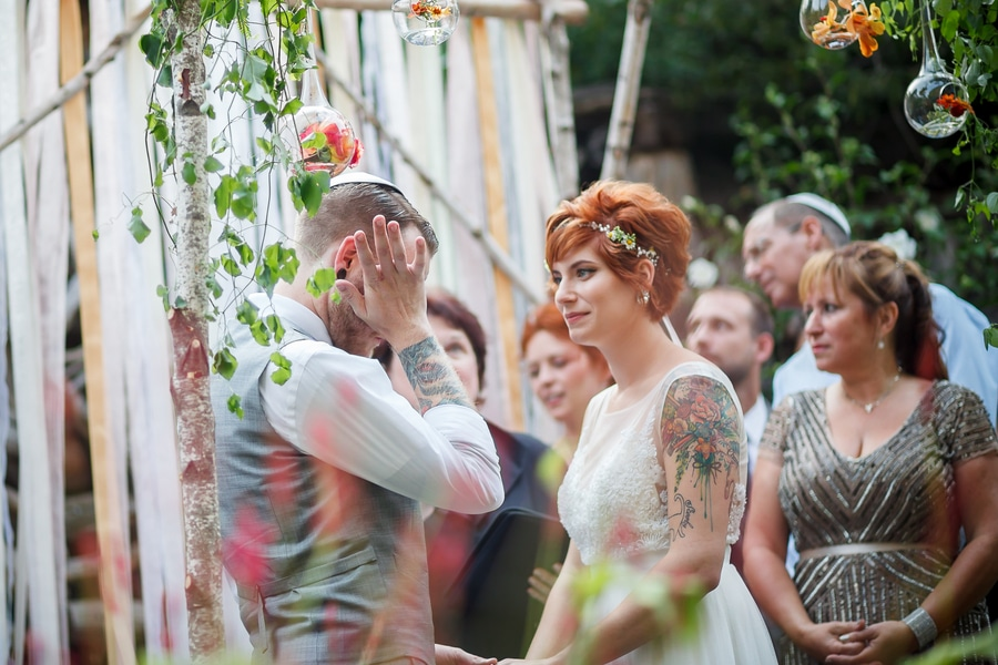 offbeat alternative maryland wedding pictures american visionary arts museum (6)