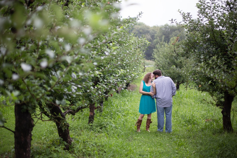 heysers farms maryland engagement pictures (7)