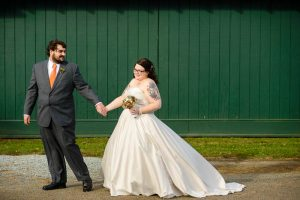 DIY offbeat maryland farm wedding pictures (22)