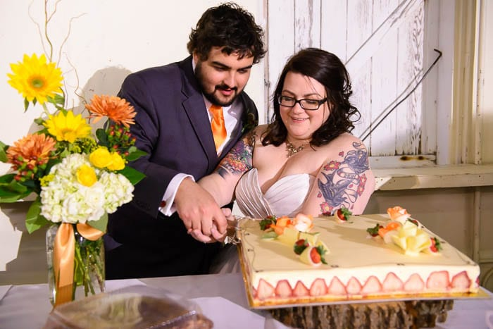 DIY offbeat maryland farm wedding pictures (36)