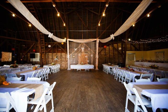 DIY offbeat maryland farm wedding pictures (9)