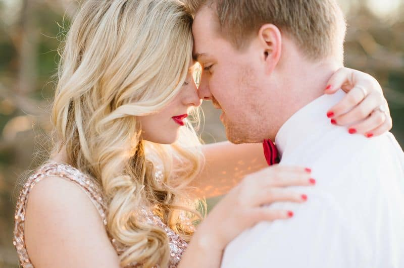 modern glitter gold red valentines day wedding pictures (7)
