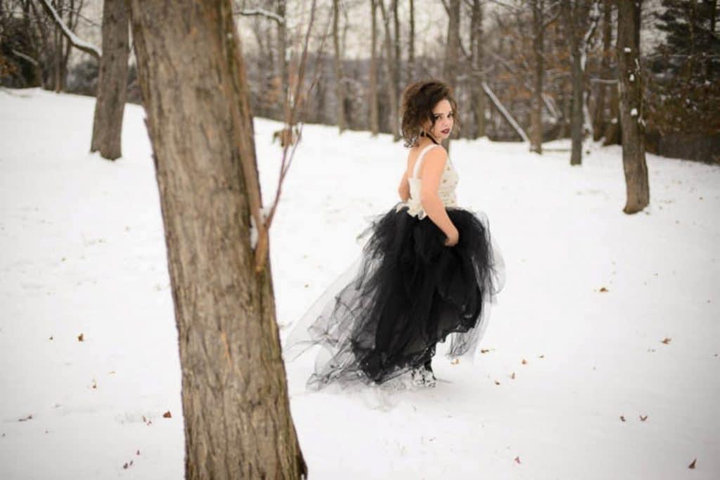 vintage gothic snow bridal inspiration pictures (10) (Medium)