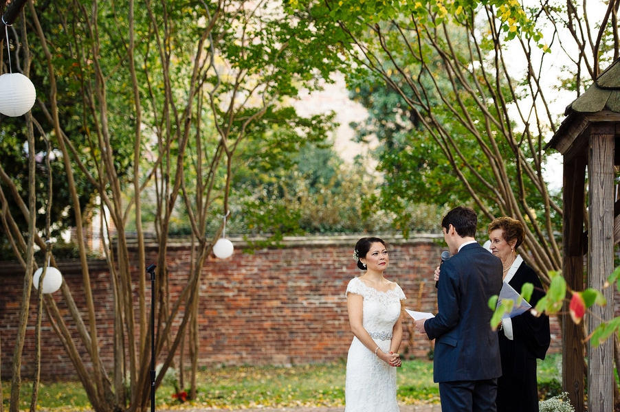 intimate Fall Old Town Alexandria Virginia wedding pictures (27)