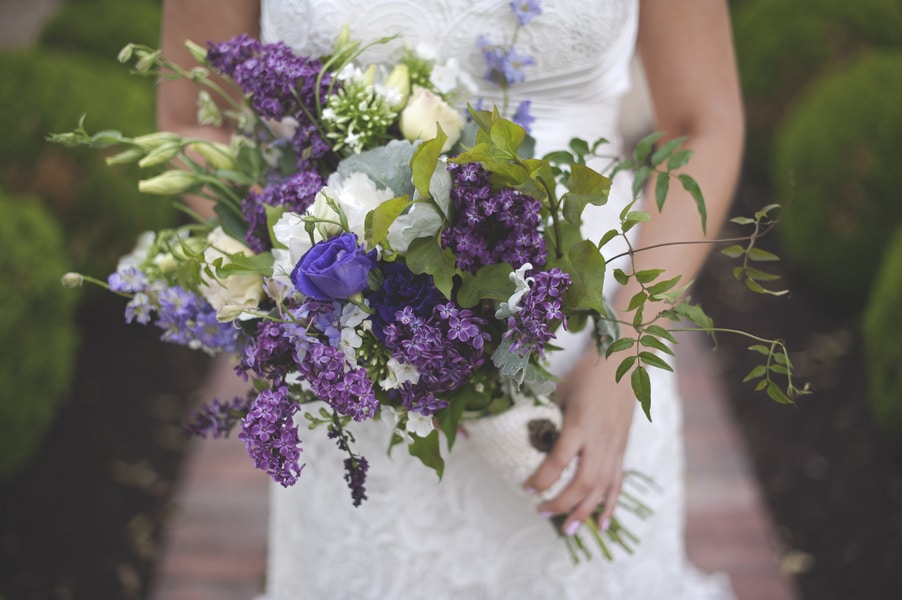 blackberry wedding purple rustic details (1)