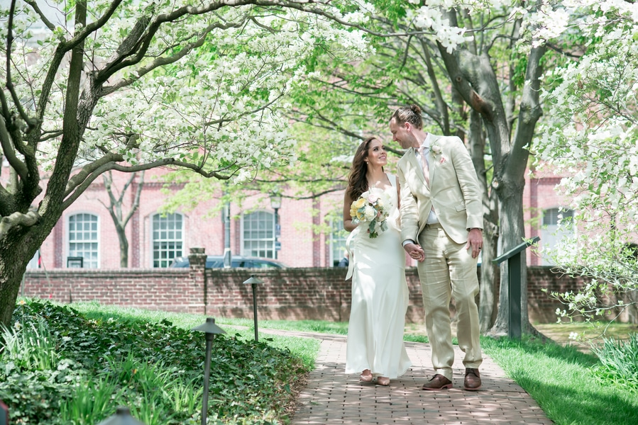 intimate rustic virginia wedding pictures (12)