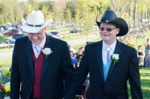 intimate same sex bull run winery wedding in virginia (11)