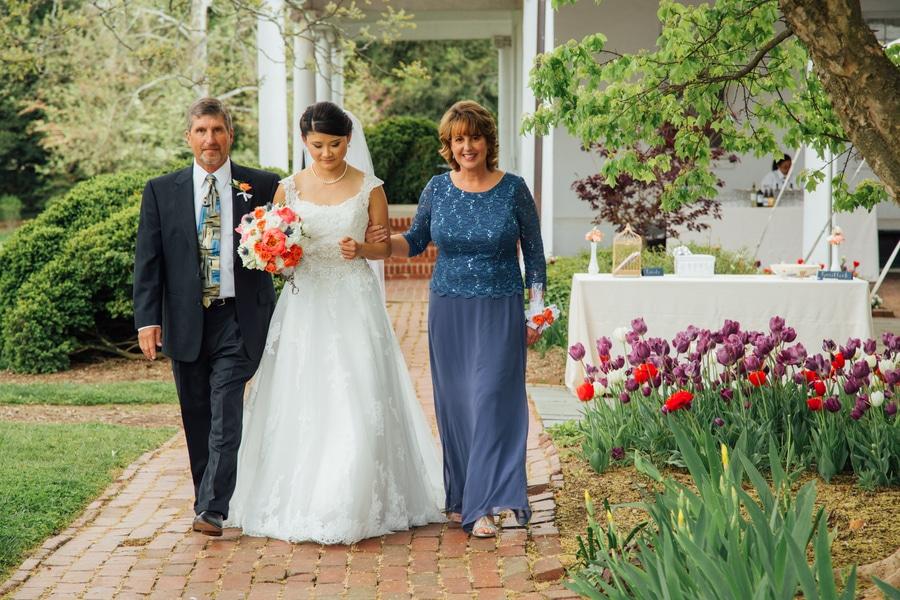 summer DIY Virginia River Farm Wedding pictures (11)