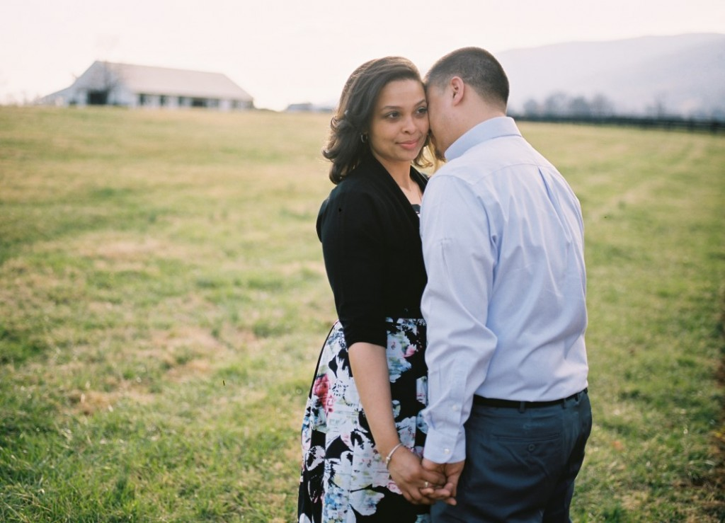 virginia vineyard engagement pictures (1)