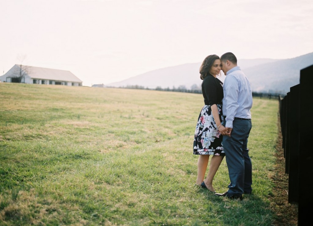 virginia vineyard engagement pictures (3)