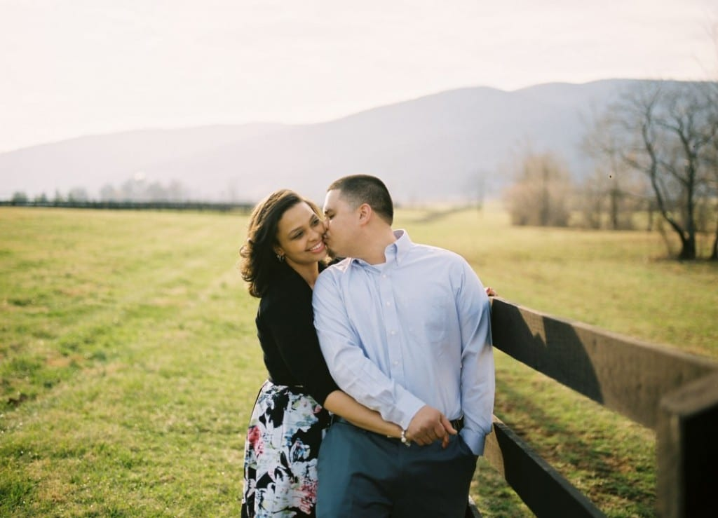 virginia vineyard engagement pictures (4)