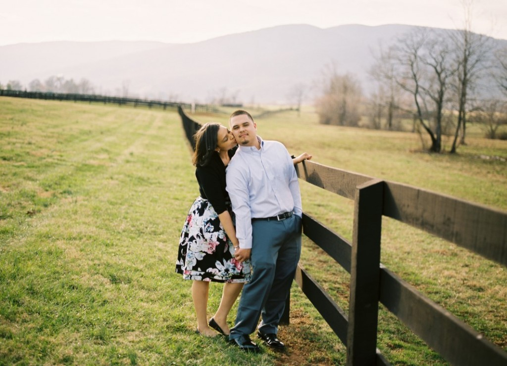 virginia vineyard engagement pictures (5)
